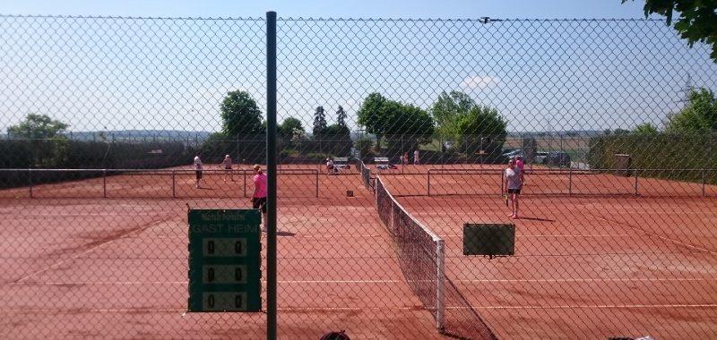 Die Tennisplätze sind freigegeben